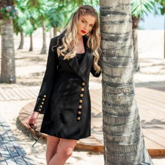Черно право сако със златни копчета