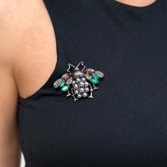Брошка бръмбар с тюркоазени кристали