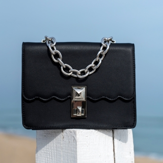 Чанта Black със синджир