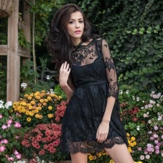 Стилна дантелена рокля