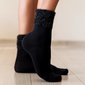 Чорапи с пухче - черни