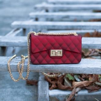 Малка дамска чанта в наситен червен цвят - ИЗЧЕРПАНА