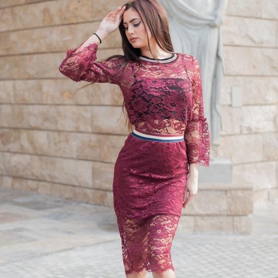 Дантелена блуза с ефирни ръкави в цвят бордо