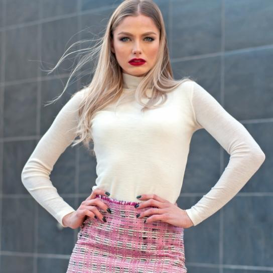 Блуза вълнено трико в цвят екрю
