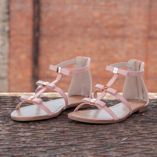 Розови сандали с панделки
