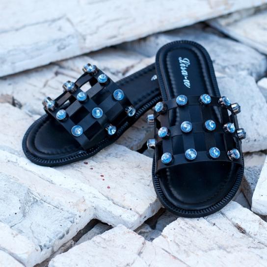 Кожени чехли със сини кристали