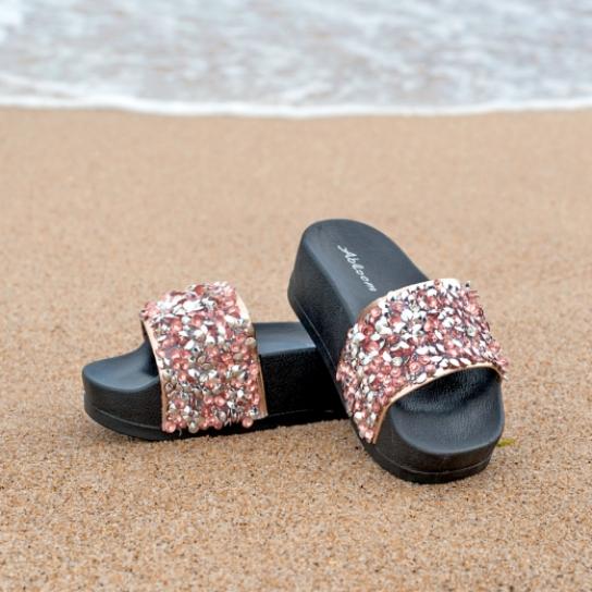 Чехли на платформа и с розови кристали