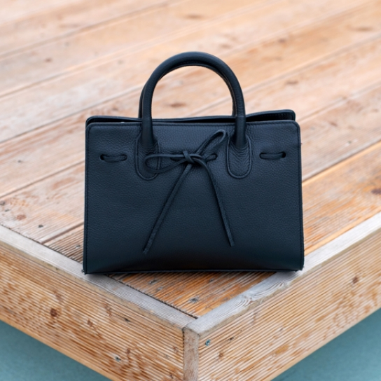 Чанта от естествена кожа в черно - лимитирана