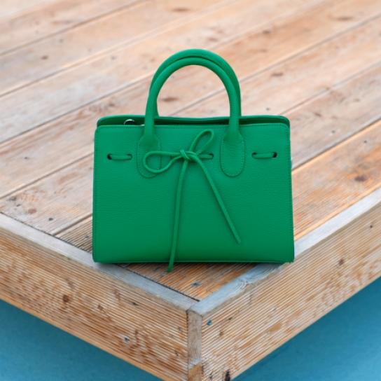 Чанта от естествена кожа в зелено - лимитирана