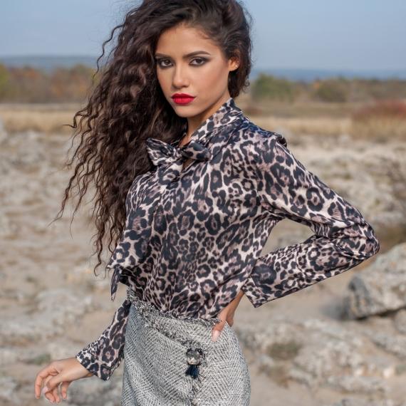 Сатенена риза в леопардово