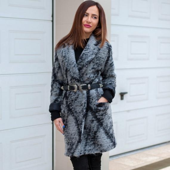 Палто сив меланж от 100% вълна с подплата от естествена коприна- модел Oversized