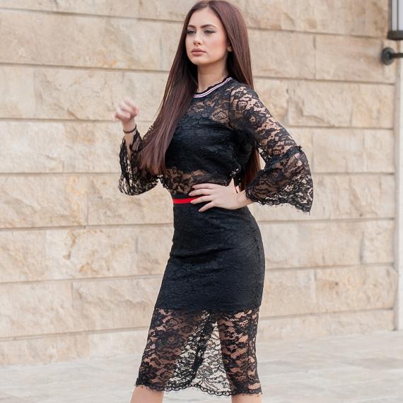 Черна дантелена блуза с ефирни ръкави
