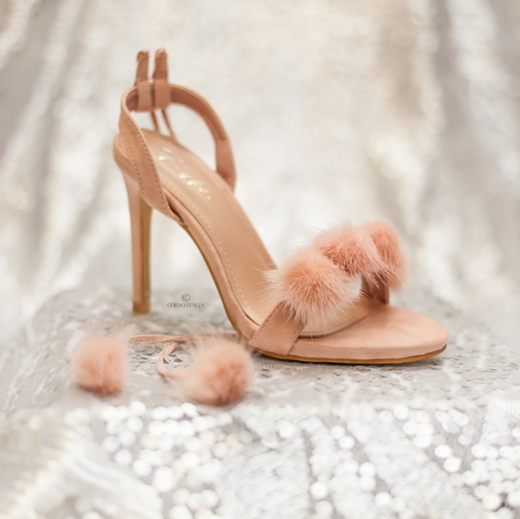 Велурени сандали на висок ток в нежно розово