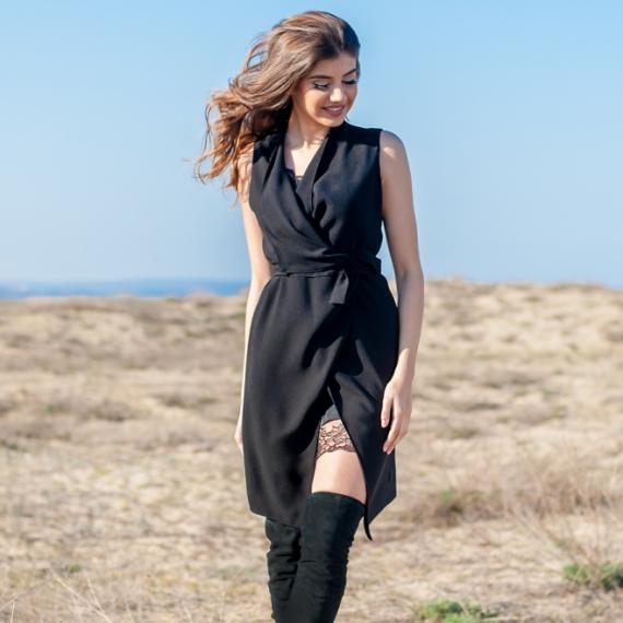 Стилен черен елек с колан
