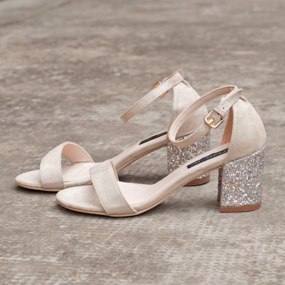 Велурени сандали в бежово с брокатен ток