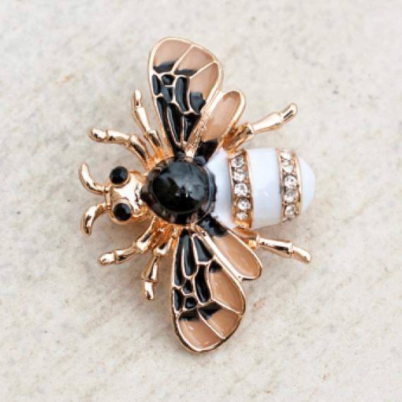 Брошка малък бръмбар