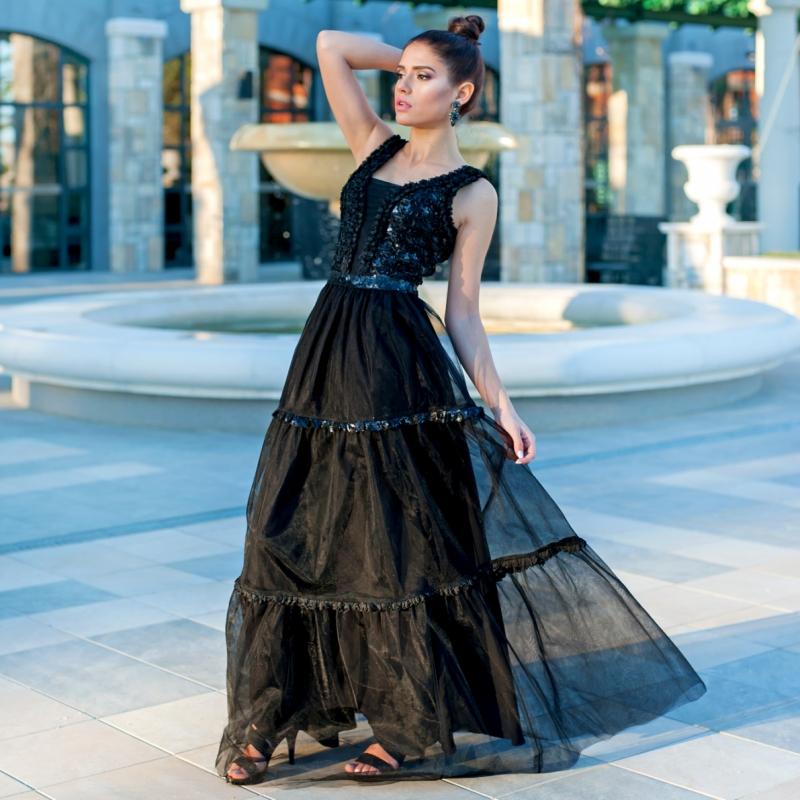 Коктейлна рокля от тюл и дантела с 3D цветчета и фини пайети в черно