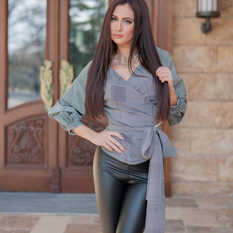 Блуза сиво и черно каре с обемни ръкави и колан - ИЗЧЕРПАНА