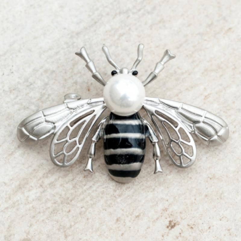 Брошка сребърен бръмбар