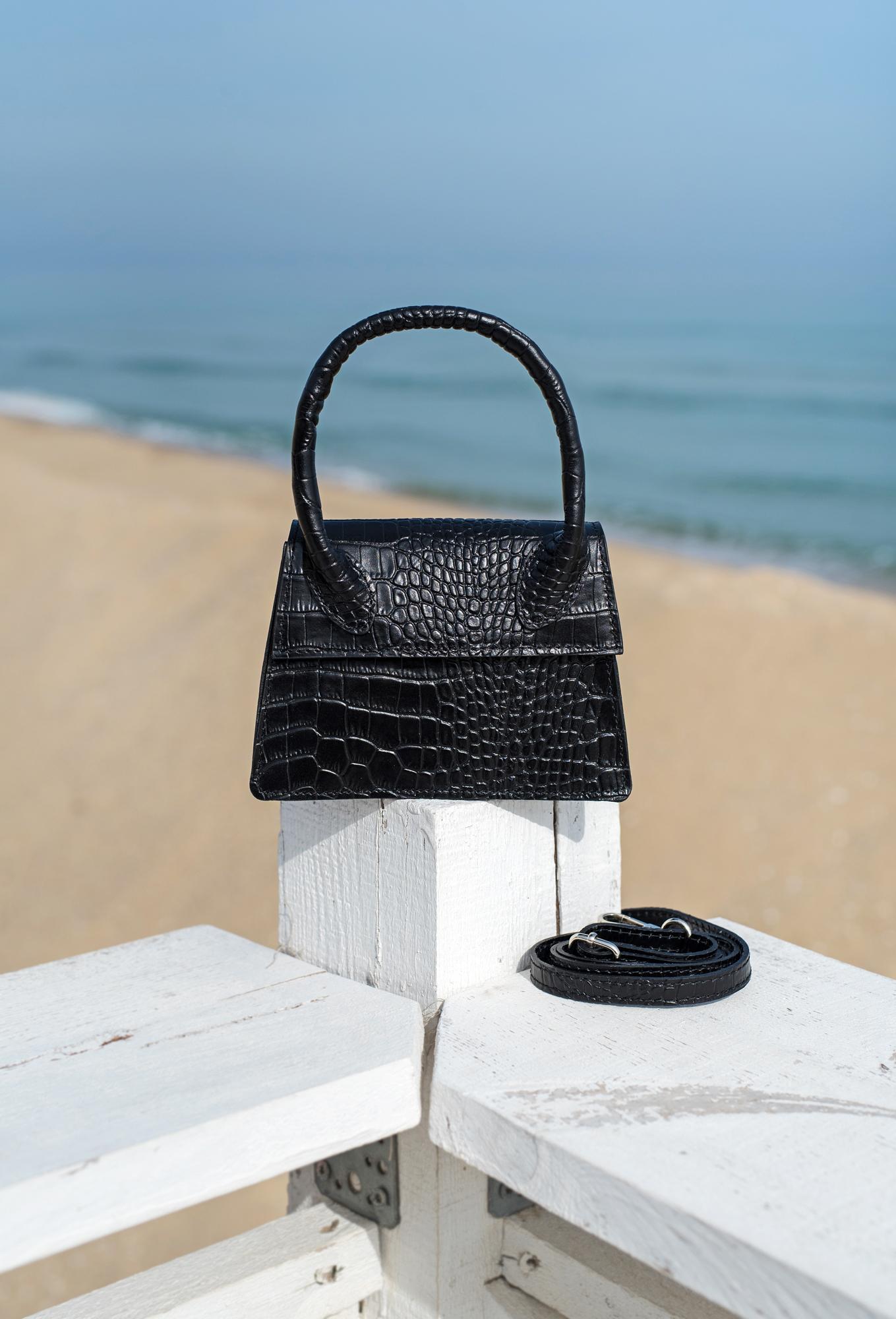 Чанта Croco черна с дръжка - Genuine leather