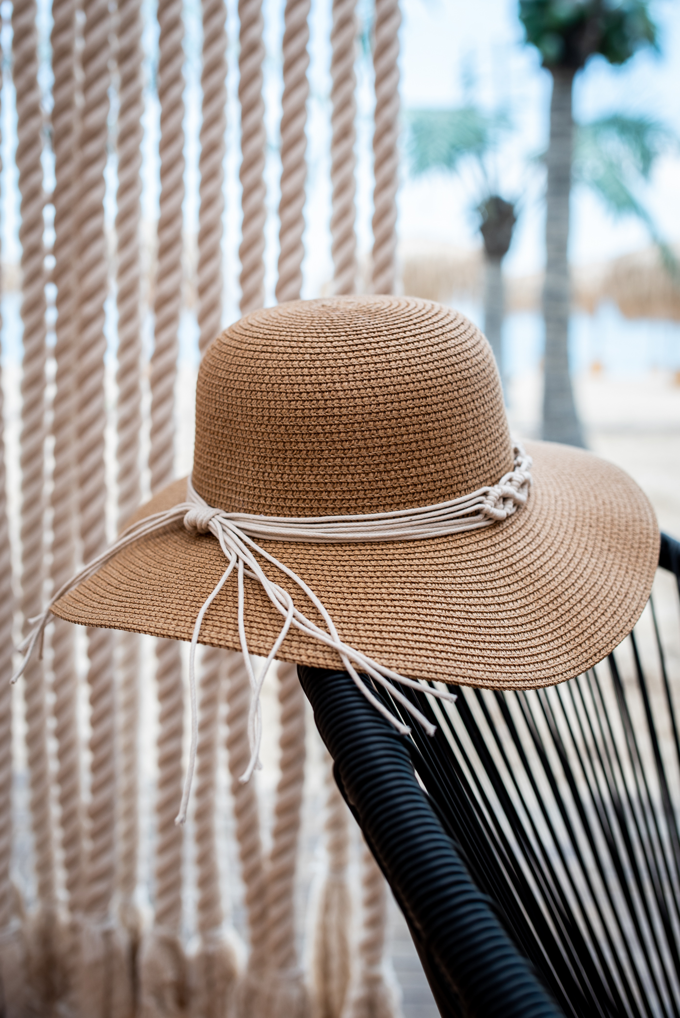Плажна шапка MACRAME