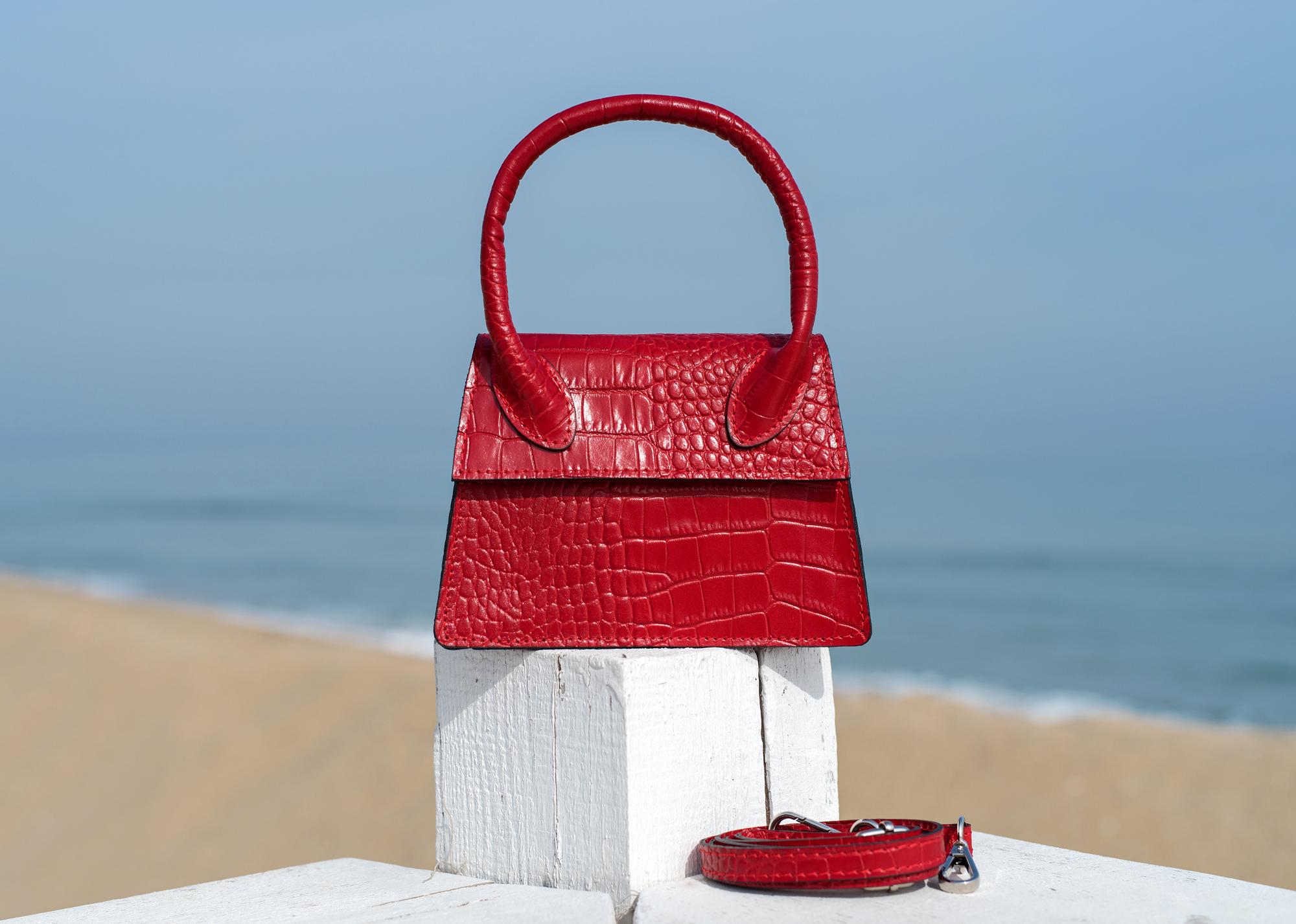 Чанта Croco червена с дръжка - Genuine leather