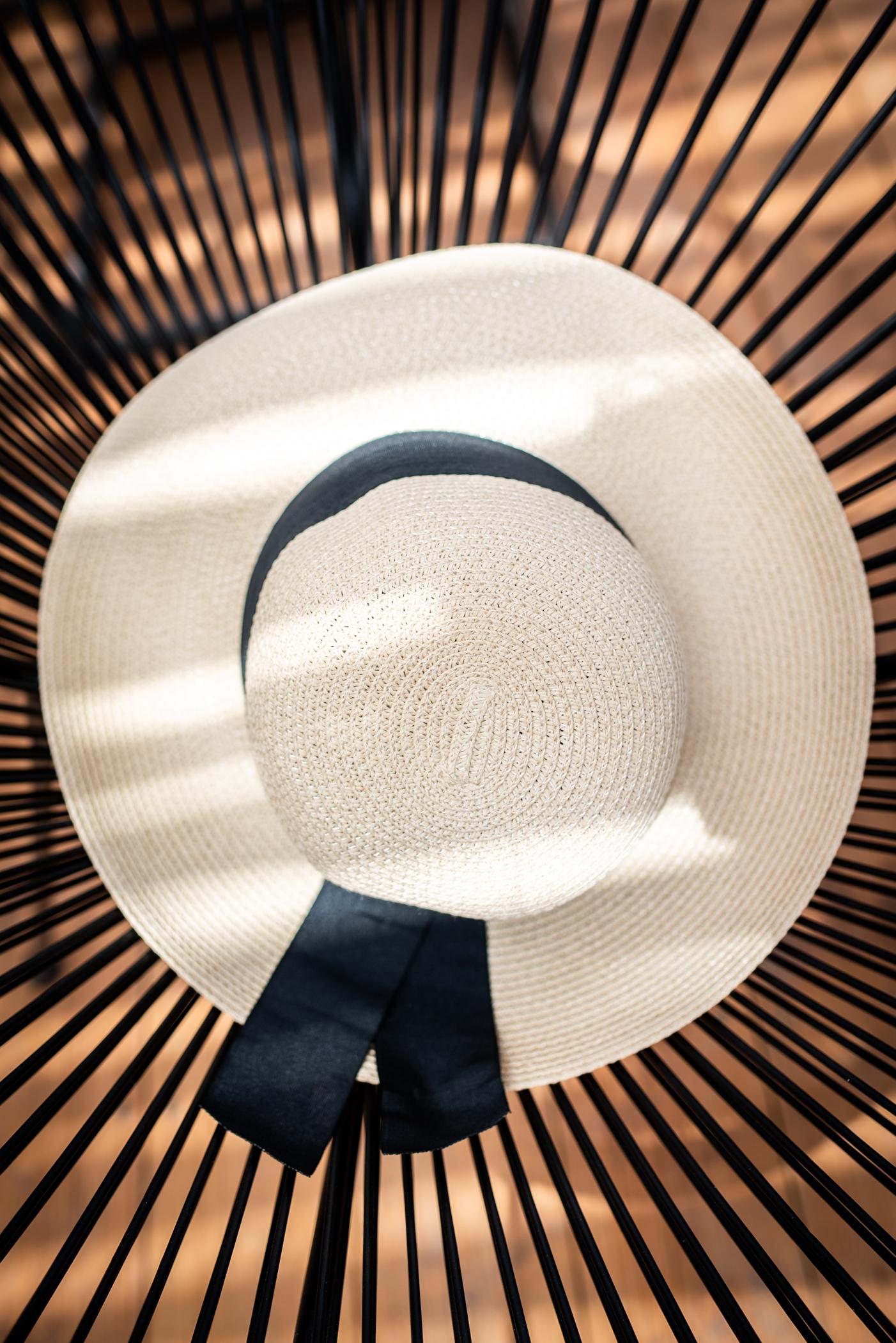 Плажна шапка Beige/Black ribbon